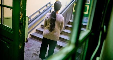 Kvinnan bor i ett hus för flyktingar i Skara. Foto:TT