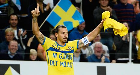 Zlatan gjorde två mål i matchen mot Estland. På måndag spelar Sverige mot österrike i EM-kvalet i fotboll. Foto: Jessica Gow/TT.