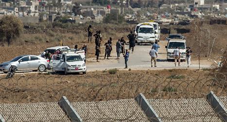 Rebellerna släpper FN-arbetarna fria. Foto: Gil Eliyahu/TT.