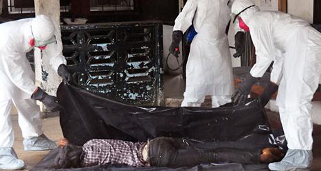 En man har dött i sjukdomen ebola. Foto: Abbas Dulleh/TT.