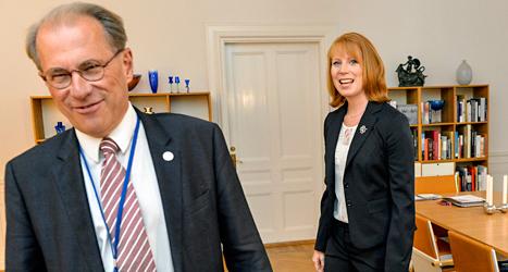 Talmannen Per Westerberg har precis pratat med Centerpartiets ledare Annie Lööf. Foto: TT