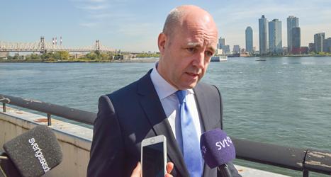 I veckan var Fredrik Reinfeldt i New York för ett möte om klimatet. Då passade många journalister på att fråga varför han vill sluta. Foto: TT