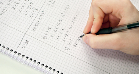 Alla ungdomar ska studera på gymnasiet, tycker Socialdemokraterna och Miljöpartiet. Foto: TT