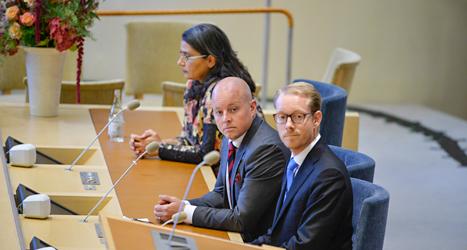 Esabelle Dinizian, Miljöpartiet, Björn Söder, Sverigedemokraterna, och Tobias Billström, Moderaterna, blev valda till vice talmän i riksdagen. Foto: TT