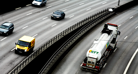 Miljöpartiet har gått med på att en ny stor väg ska byggas runt Stockholm. Foto: TT