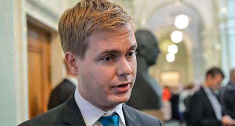 Miljöpartiets ledare Gustav Fridolin vill att företagen ska bli bättre på jämställdhet. Foto: TT