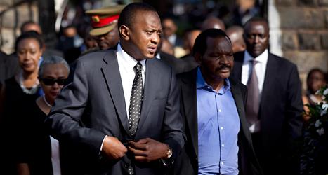 Kenyas president Uhuru Kenyatta kommer till domstolen i Haag. Foto: Ben Curtis/TT