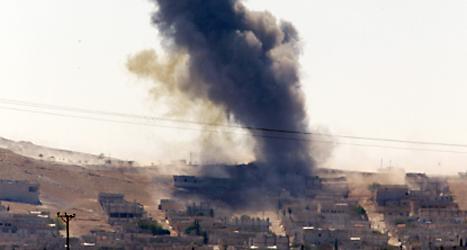 Em bomb har sprängts i staden Kobane i Syrien. Foto: Lefteris Pitarakis/TT.