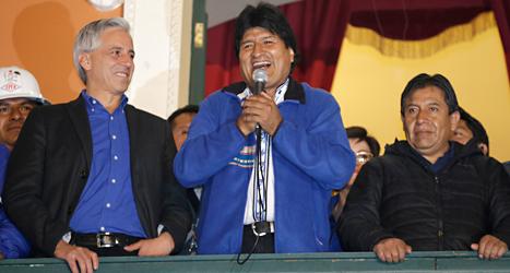 Evo Morales kan fortsätta som president i landet Bolivia. Foto: Martin Mejia/TT.
