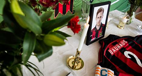 Många sörjer fotbollsspelaren Pontus Segerström som dog i cancer. Foto: Pontus Lundahl/TT.