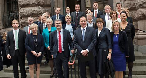 Alla ministrar i den nya regeringen. Foto: TT