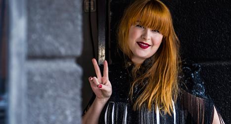Linnea Henriksson är en av dem som leder programmet Musikhjälpen i år. Foto: Per Larsson/TT.