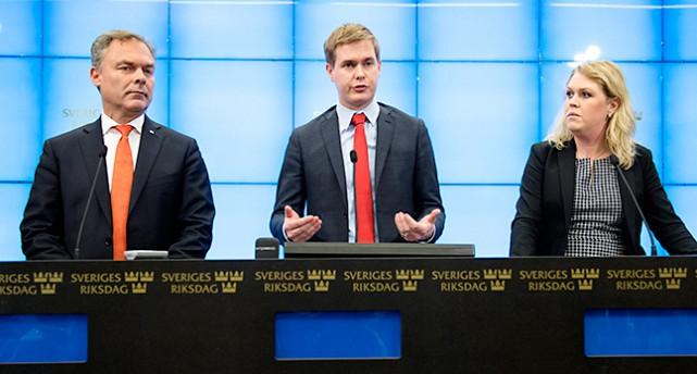 Jan Björklund i Folkpartiet, Gustav Fridolin i Miljöpartiet och Lena Hallengren i Socialdemokraterna
