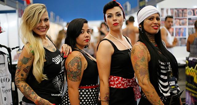 Tatuerade kvinnor