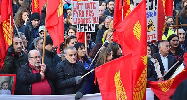 Människor demonstrerar