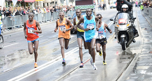 Löpare från Afrika gör upp om segern i förra årets tävling
