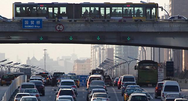 Bilar i kö i Kina.
