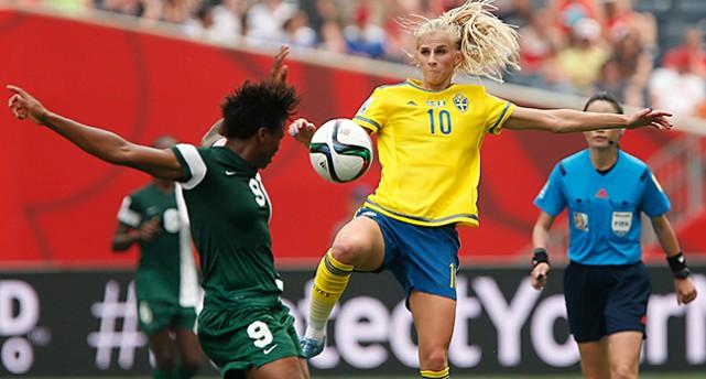 Sofia Jakobsson i Sveriges första match i VM.