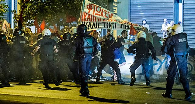 bråk i Aten