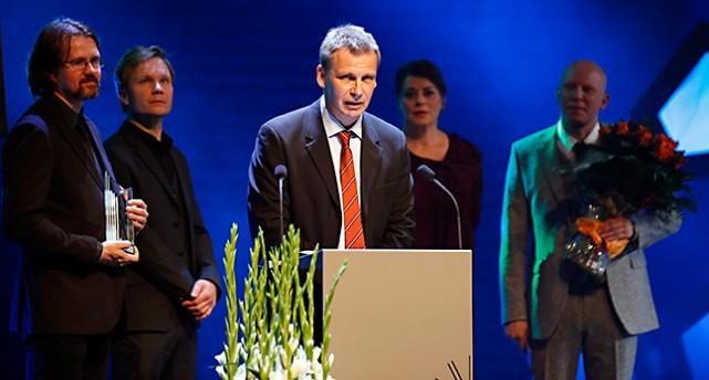 Jakob Wegelius pratar.
