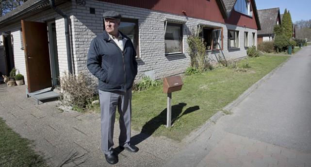 Rolf Lassgård som Ove.