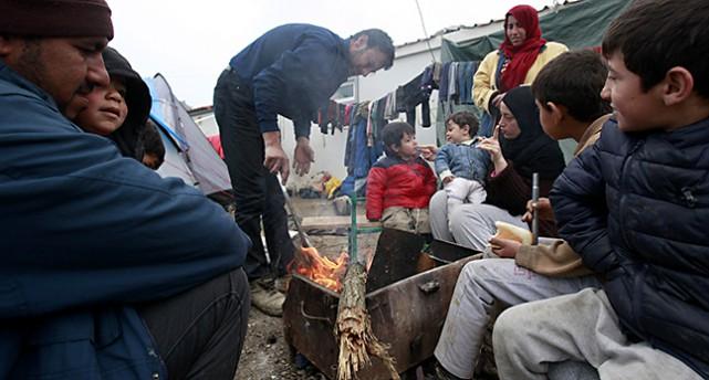 En familj med flyktingar