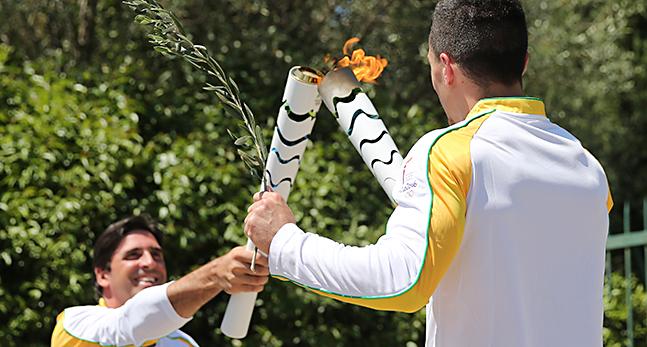 Den olympiska facklan har tants