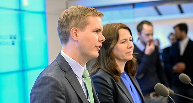 Miljöpartiets ledare Gustav Fridolin och Åsa Romson.