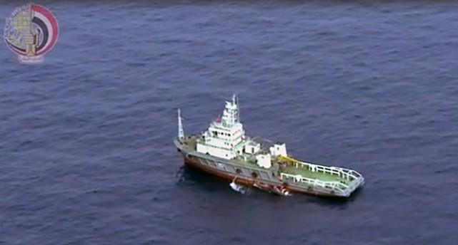 Ett stort lastfartyg i Medelhavet sett från ovan.