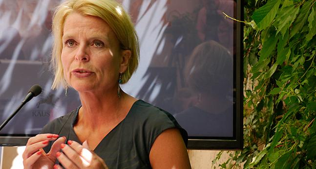 Åsa Regnér är minister med ansvar för funktionshinder.
