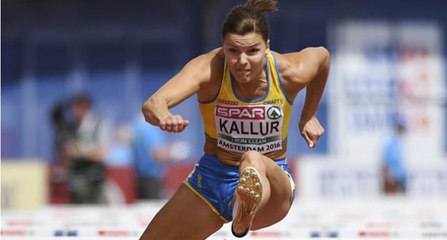 Susanna Kallur hoppar över ett hinder