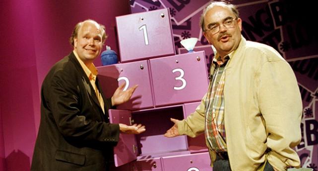 Lasse Kronér och Leif Loket Olsson i Bingolottos studio.