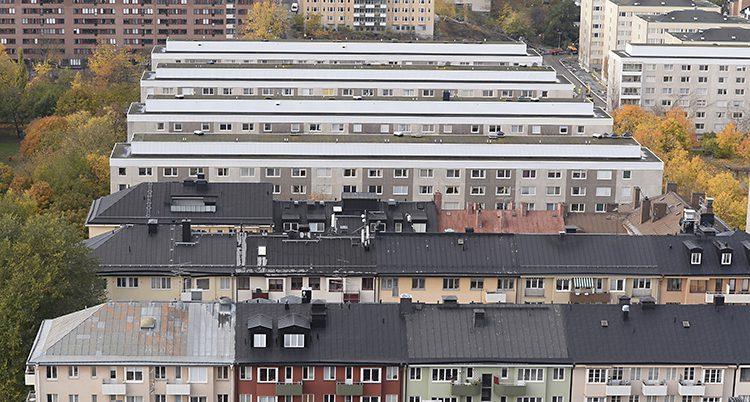 Många höga hus i Stockholm.