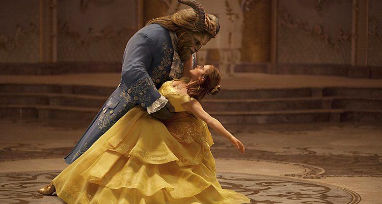 Bild från filmen Skönheten och odjuret.