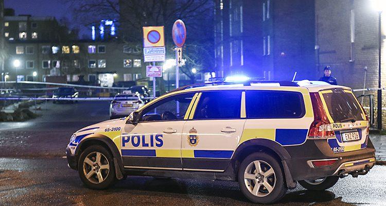 En polisbil i Rosengård