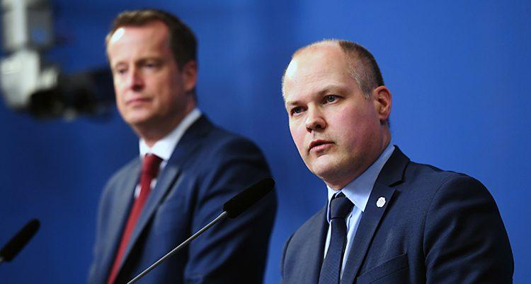 Ministrarna Anders Ygeman och Morgan Johansson.