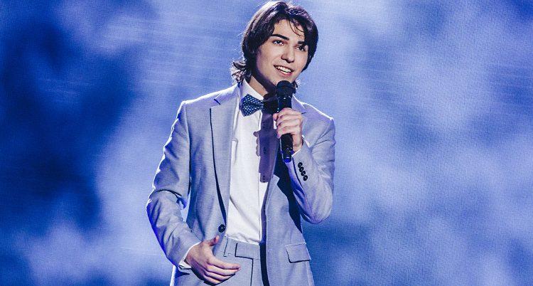 Ibrahim Nasrullayev sjunger.