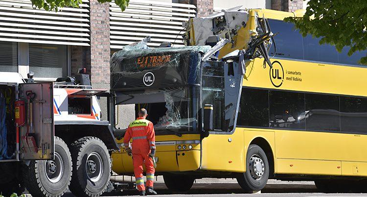Bussen med en förstörd övervåning