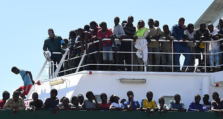 En båt med flyktingar