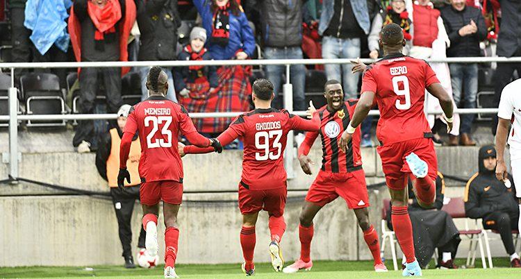 Östersunds spelare firar segern