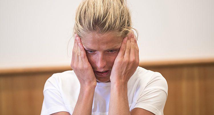 Therese Johaug gråter.