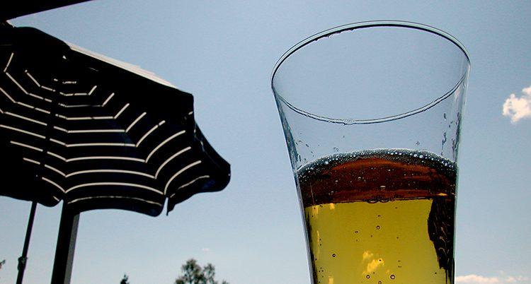 många dricker mycket alkohol på semestern