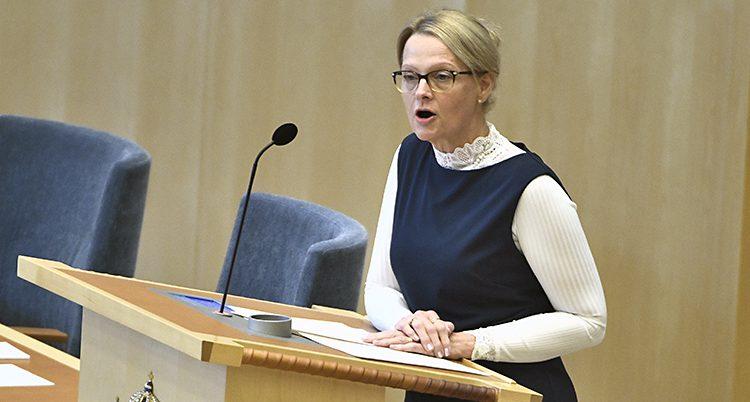 Helene Frizon är regeringens migrationsminister