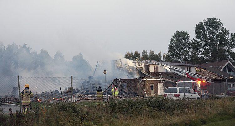 Det brinner i moskén i Örebro