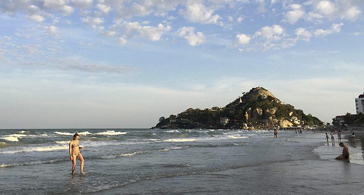 En strand i Thailand