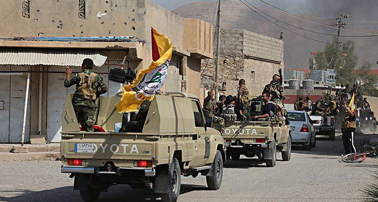 Irakiska soldater på väg mot Kirkuk