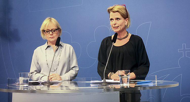 Lena Ag och ministern Åsa Regné