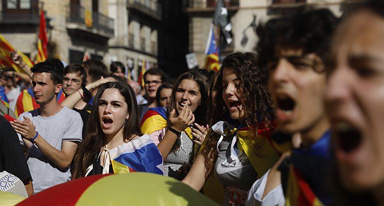 Studenter i Katalonien demonstrerar mot Spaniens regering
