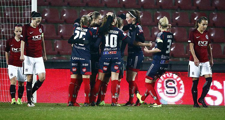 Linköpings spelare kramar om varandr