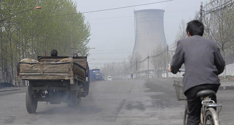 Ett kolkraftverk i staden Linfen i Kina